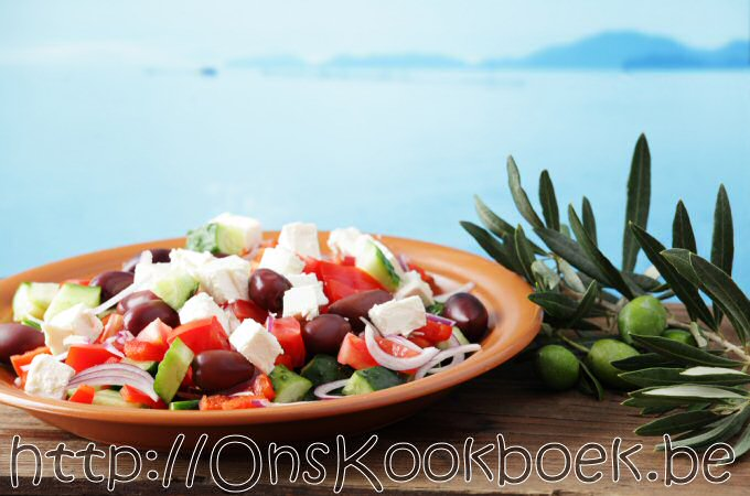 Griekse salade maken