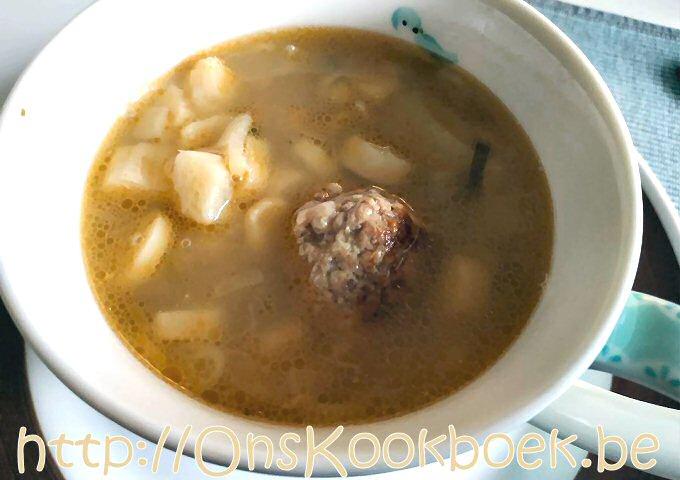 Heldere aspergesoep = lekker makkelijk soep maken zonder mixer
