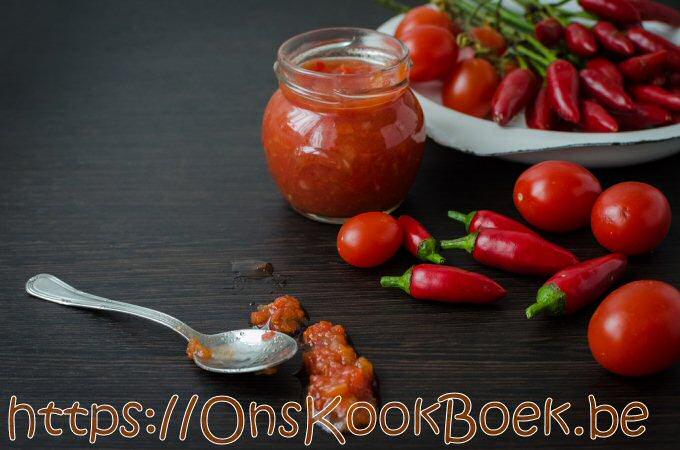 Zelf tomatenpuree maken