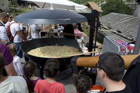 Grote tartiflette maken in Reblochon
