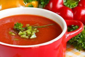 Paprika tomaten courgettesoep