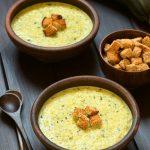 Maak deze Courgettesoep in 10 minuten… met korstjes!