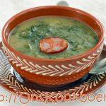 7 ingrediënten makkelijk te maken Portugese soep: Caldo Verde