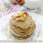 Heerlijke havermout pannenkoeken van Sandra Bekkari: genieten met appel en honing